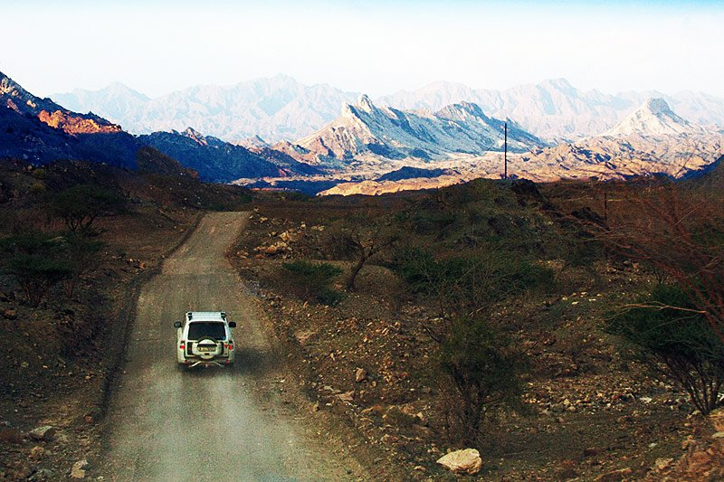 Earth-road leading to Hatta Wadi, Dubai