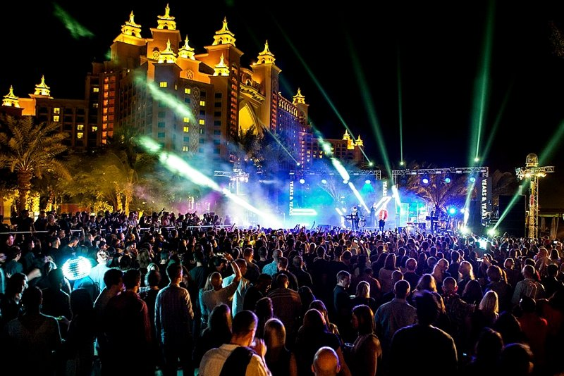 Beach party, Dubai