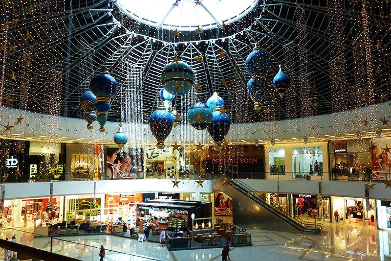 7c4c3c99 Inside Marina Mall, Dubai