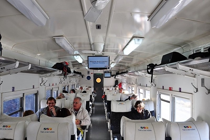 Inside of Heaven train, Salta