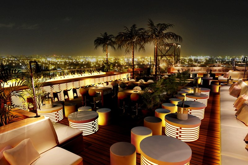 40 Kong Bar at night, Dubai