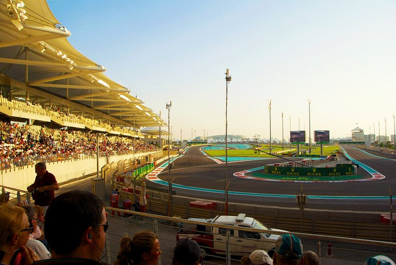 The very first Formula 1 race started at the dayligth, and ended late in the evening, Abu Dhabi