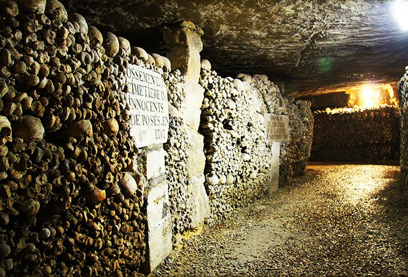 Catacombs' tunnels, Paris