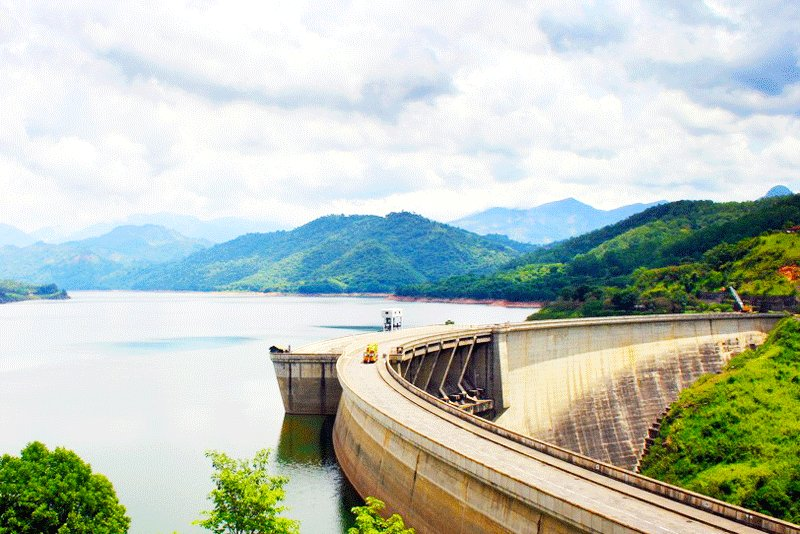 The dam is a regime object. It is forbidden to pass along it during the release of water., Kandy
