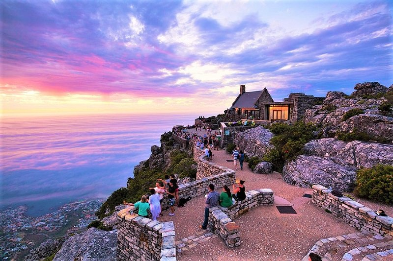 Stay on the Table Mountain's top till the sunset, Cape Town