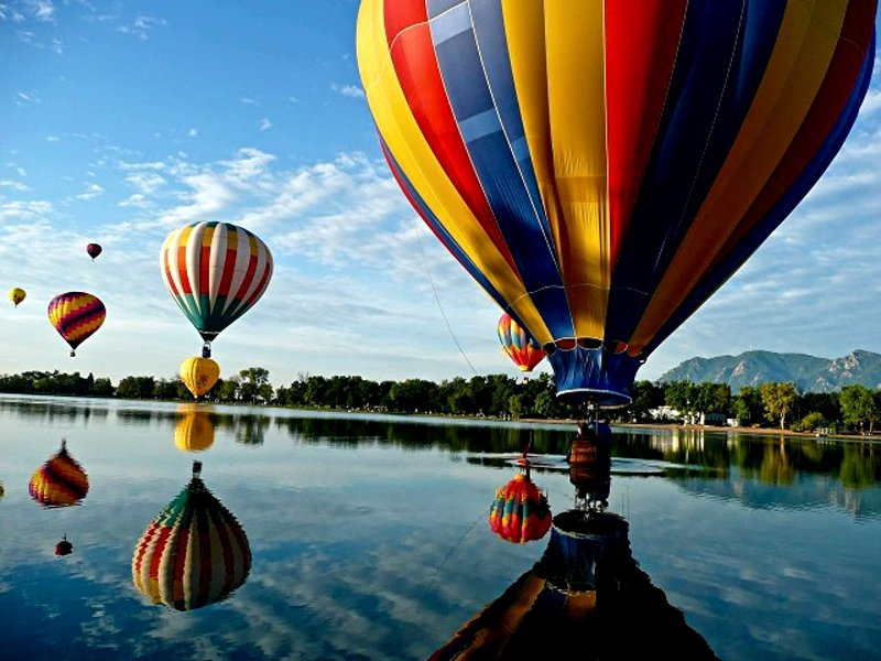 Flight on a hot air balloon