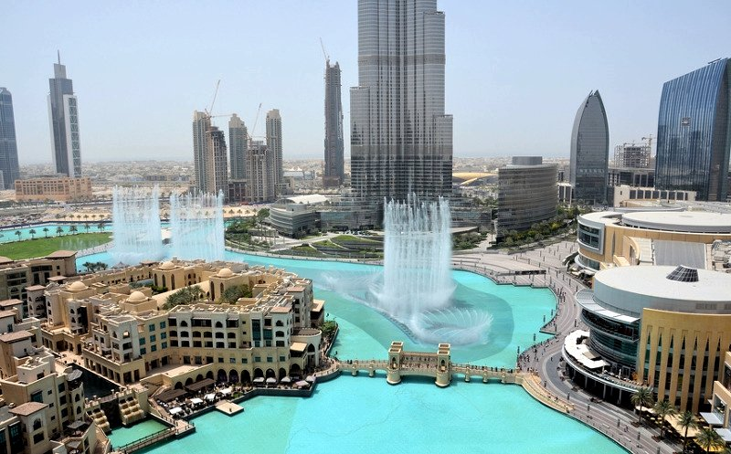Show of singing fountains, Dubai