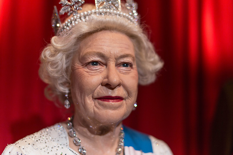 The wax Queen Elisabeth II in the Madame Tussouds Museum