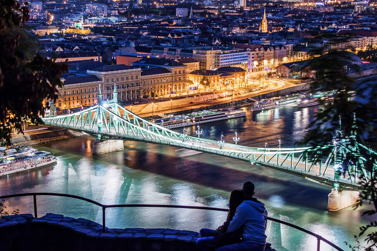 How to climb on the Gellert Hill in Budapest