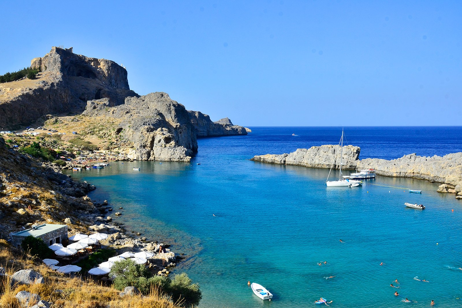 How to relax on the beach in the St. Paul's Bay on Rhodes