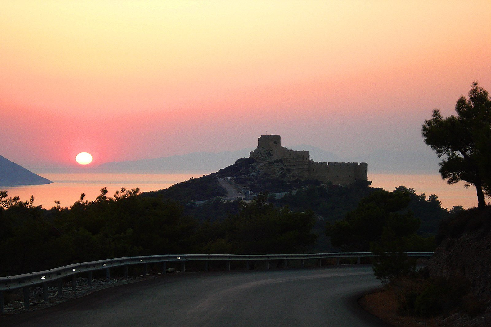 How to see the most beautiful sunset on Rhodes on Rhodes