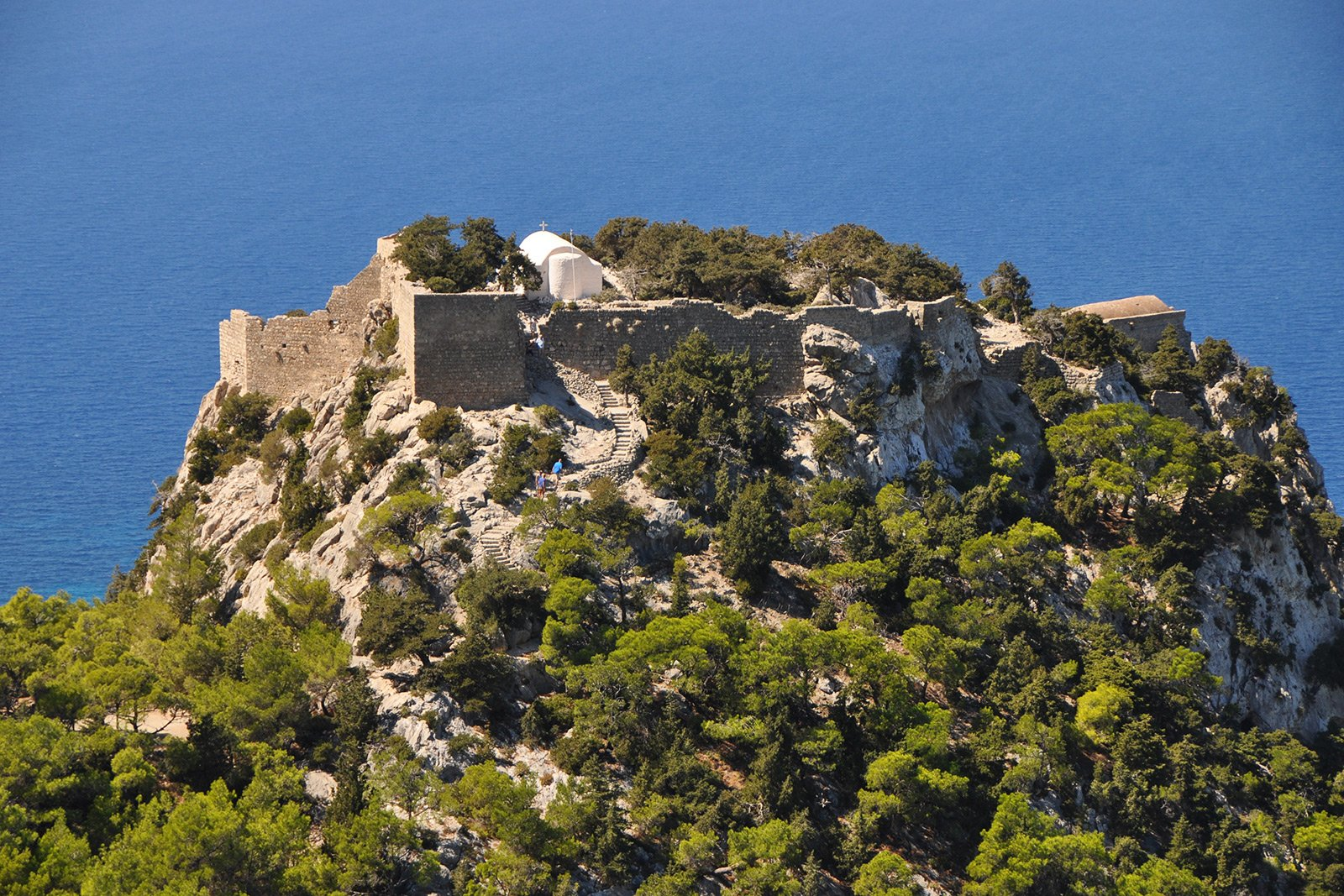 How to climb to the Monolithos castle on Rhodes