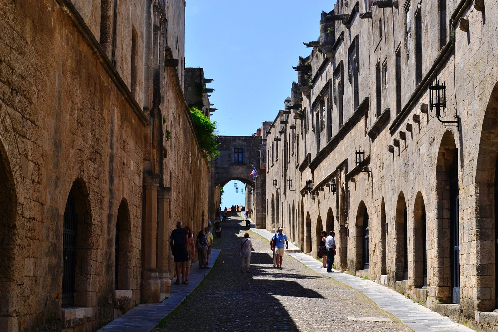 How to walk through the the Street of the Knights on Rhodes