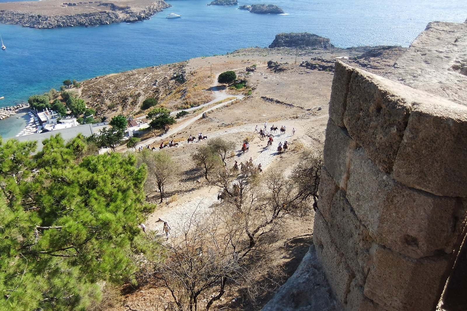 How to see the Acropolis of Lindos on Rhodes