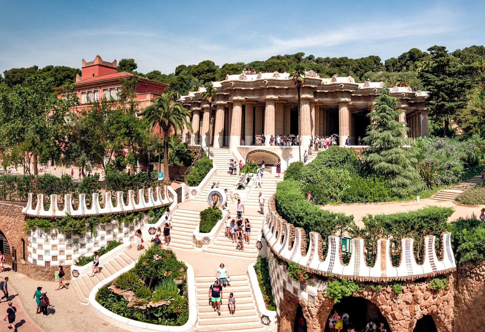 How to plunge into the fairy-tale world of Park Güell in Barcelona
