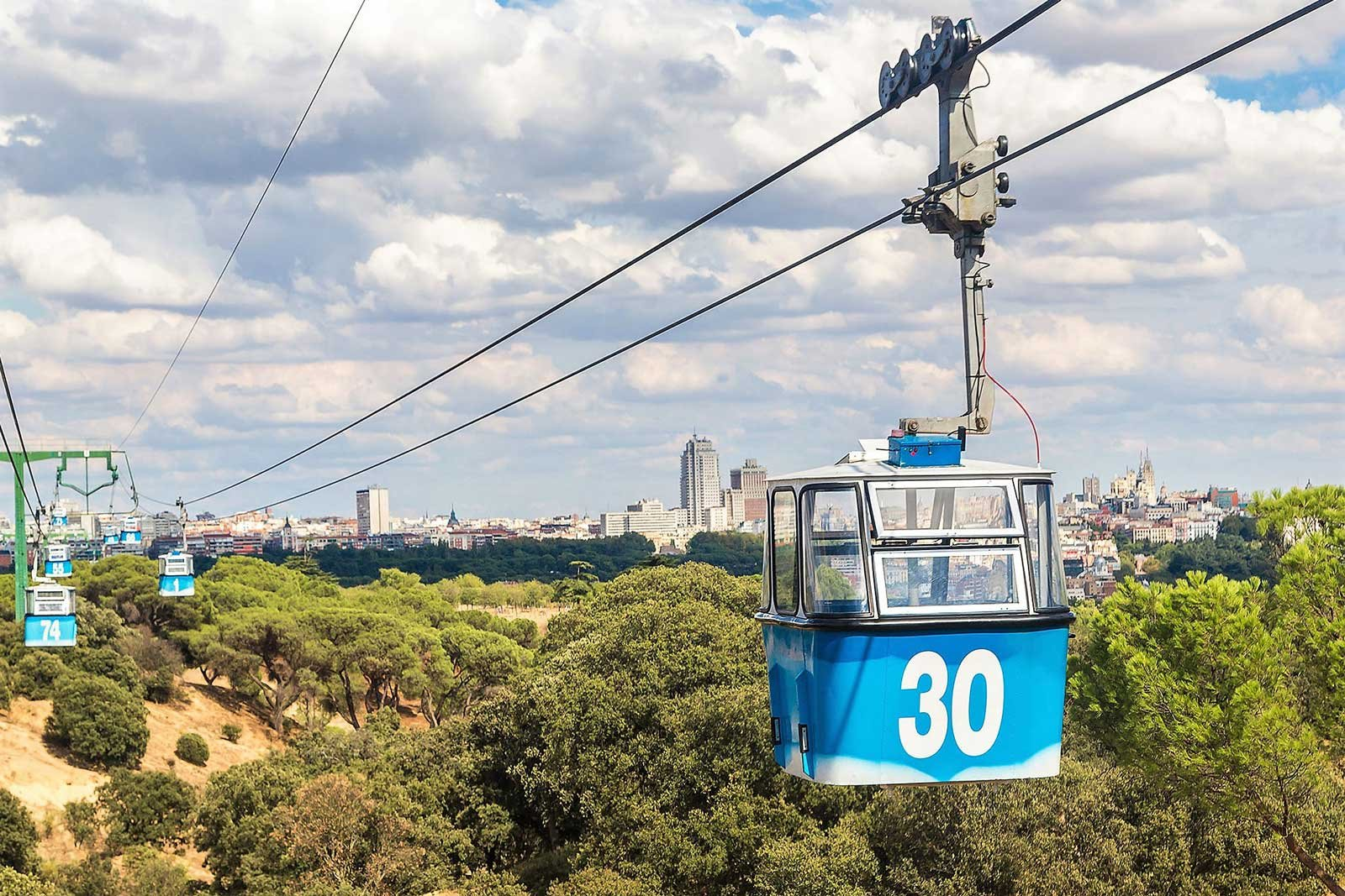 How to ride cable car Teleferico in Madrid