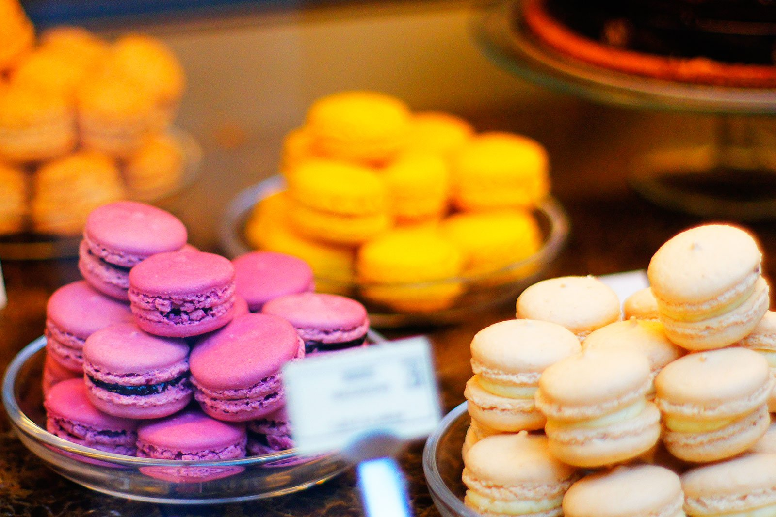 How to taste macarons in Paris