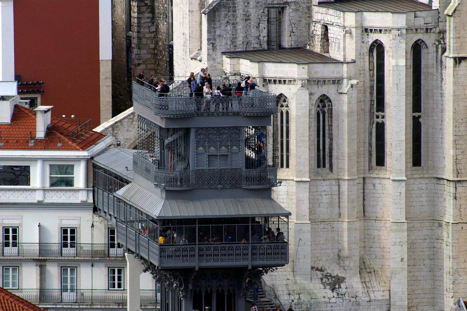 How to ride the Elevador di Santa Justa in Lisbon