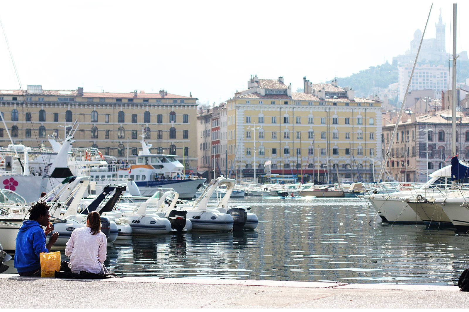 How to walk through the Old Port in Marseille