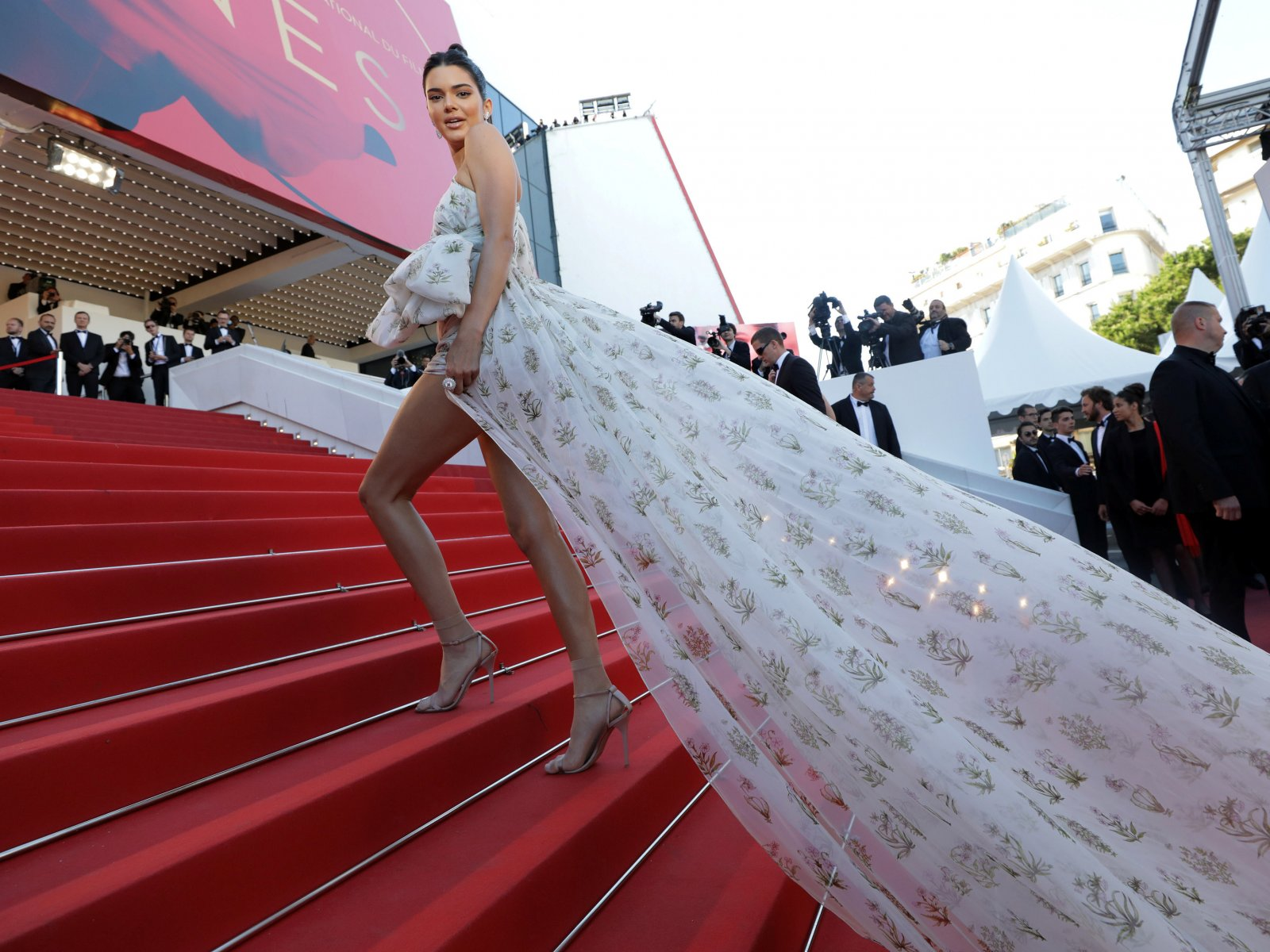 How to make a photo on the red carpet at the Palais des Festivals in Cannes
