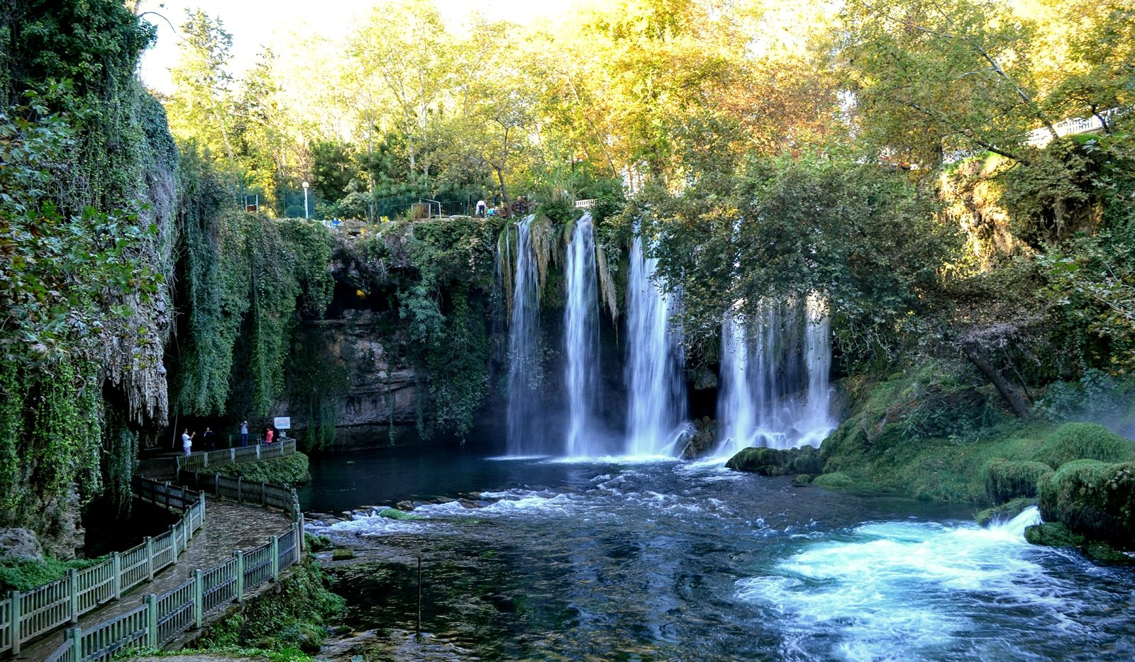 How to walk along the Duden Waterfalls in Antalya
