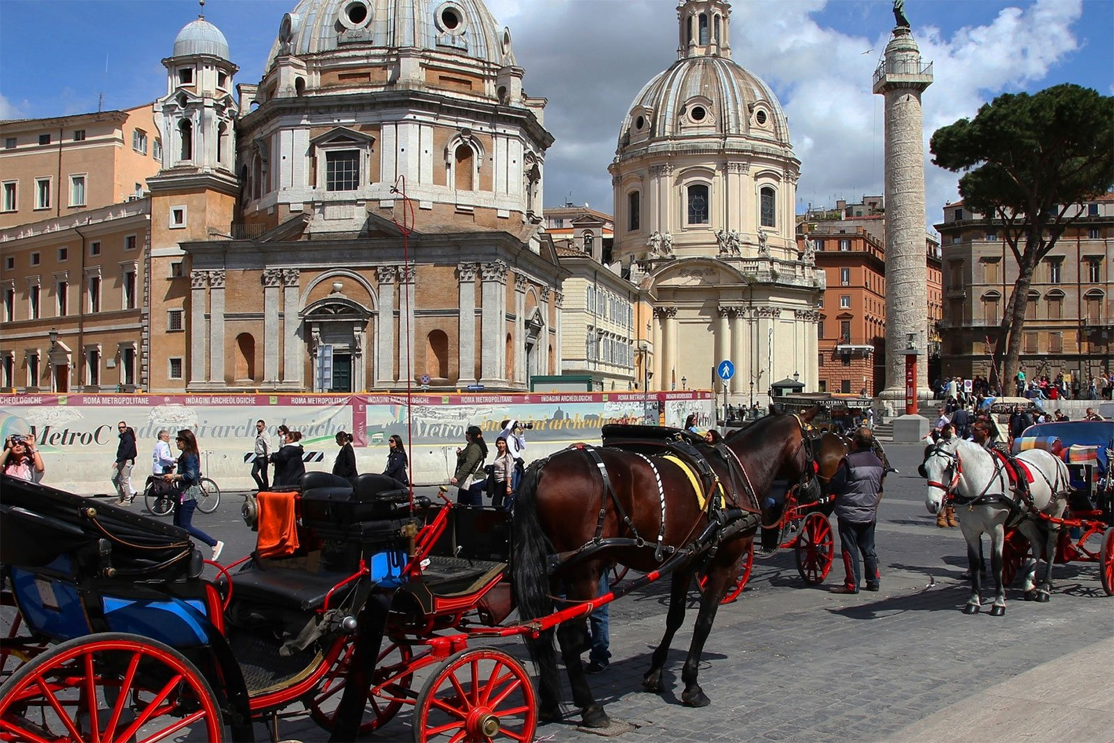 How to ride in a horse carriage in Rome