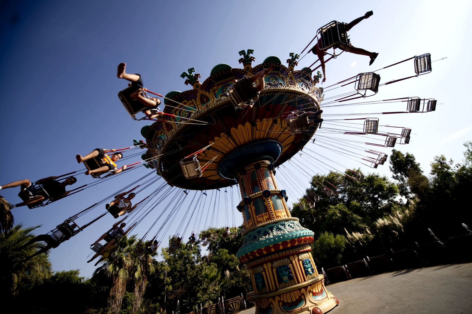 How to test yourself for endurance in an amusement park in Seville