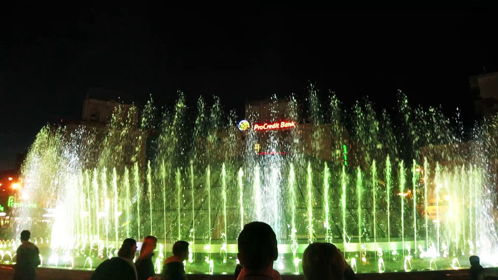 How to watch the dancing fountains in Kiev
