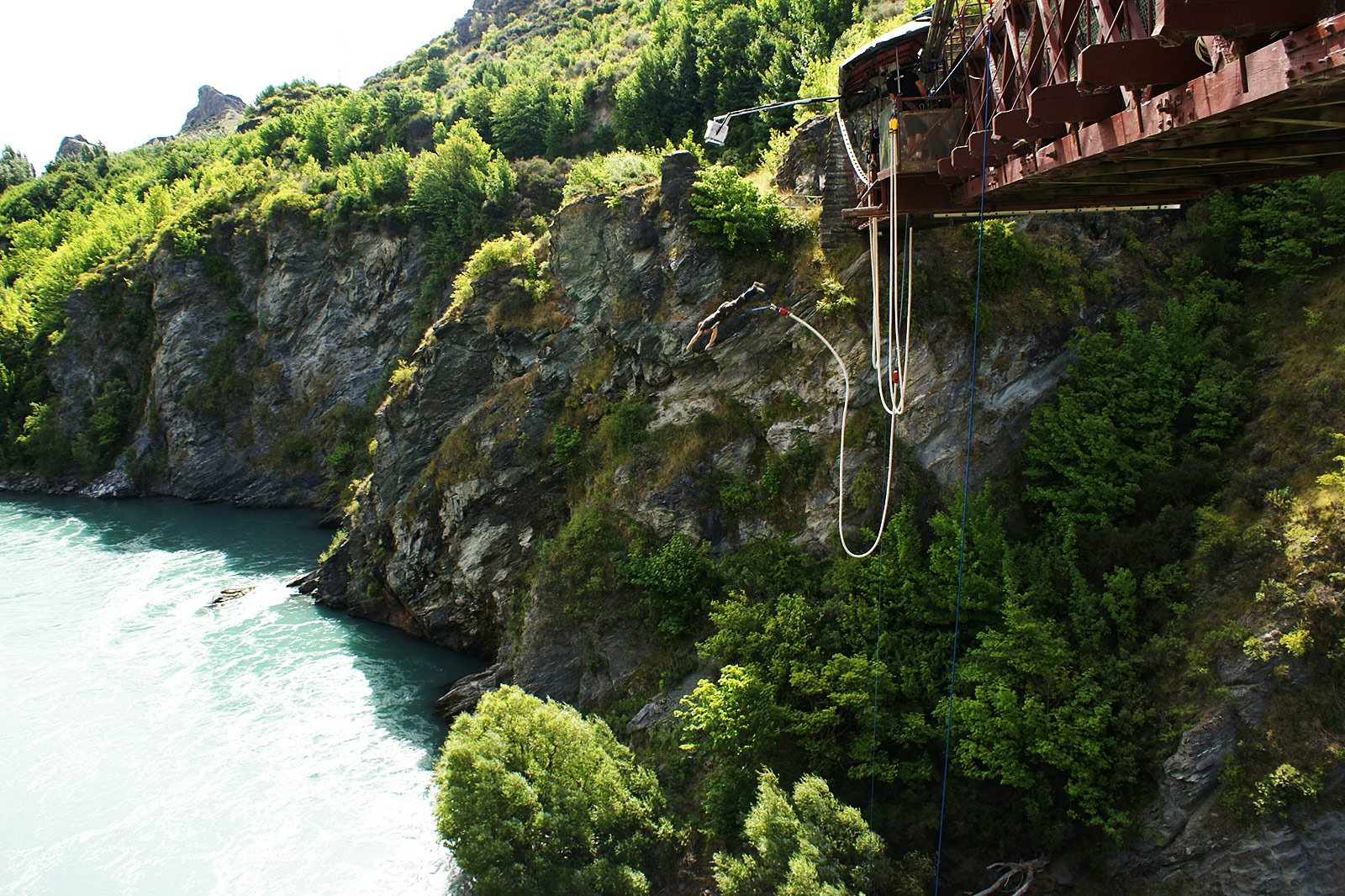 How to try bungy jumping in Queenstown