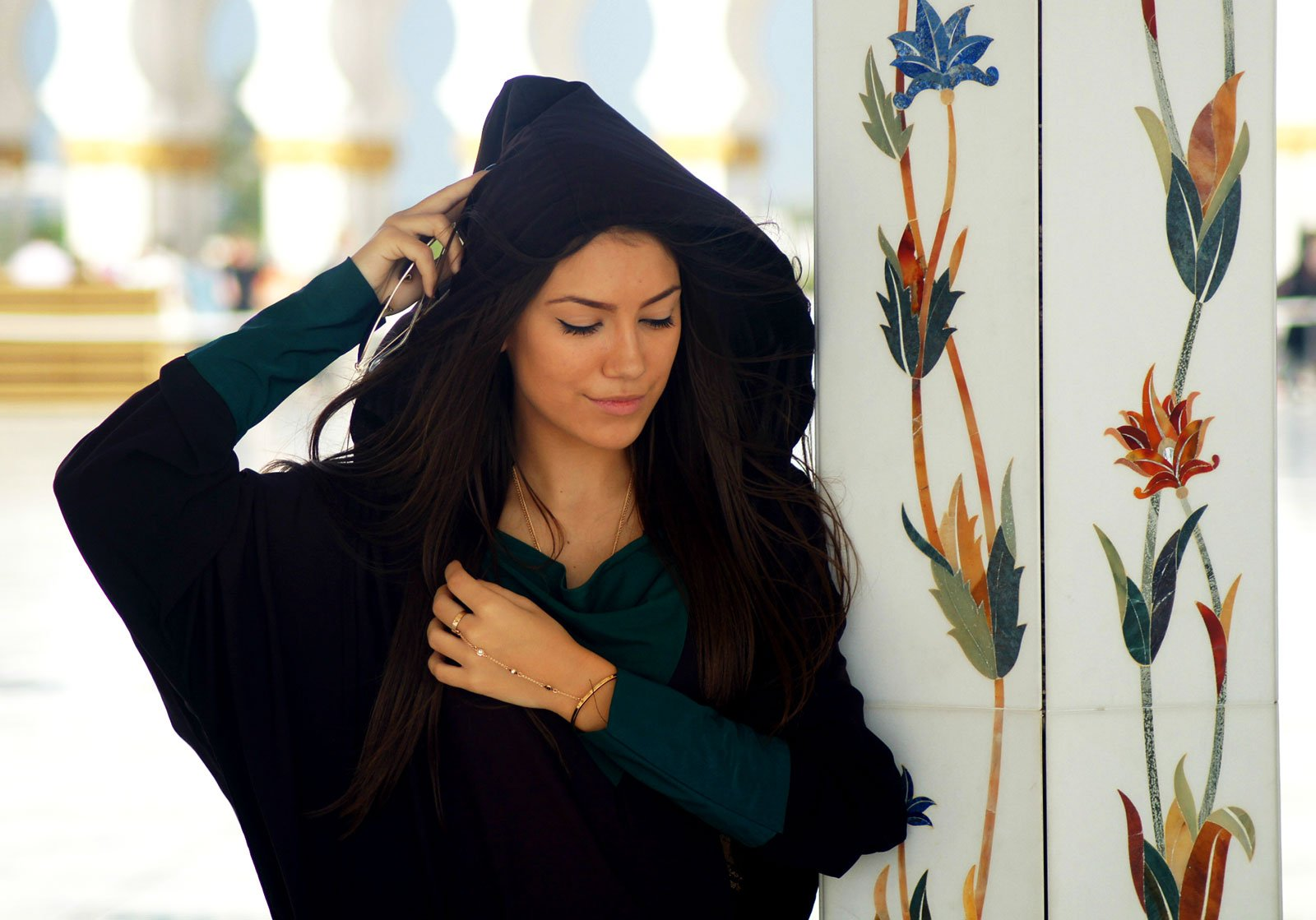 How to buy Abaya in Dubai