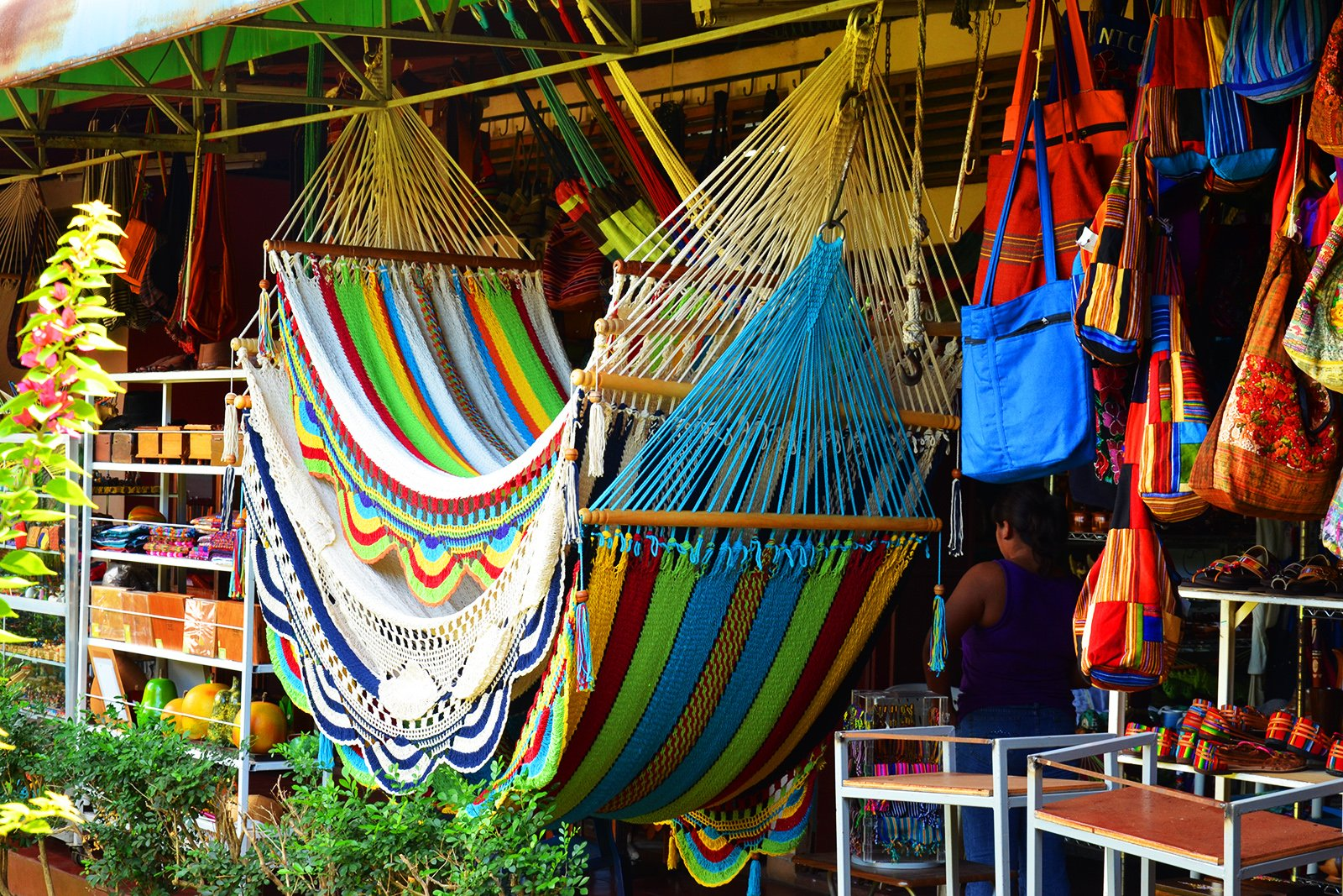 How to buy a hammock at Masaya market in Managua