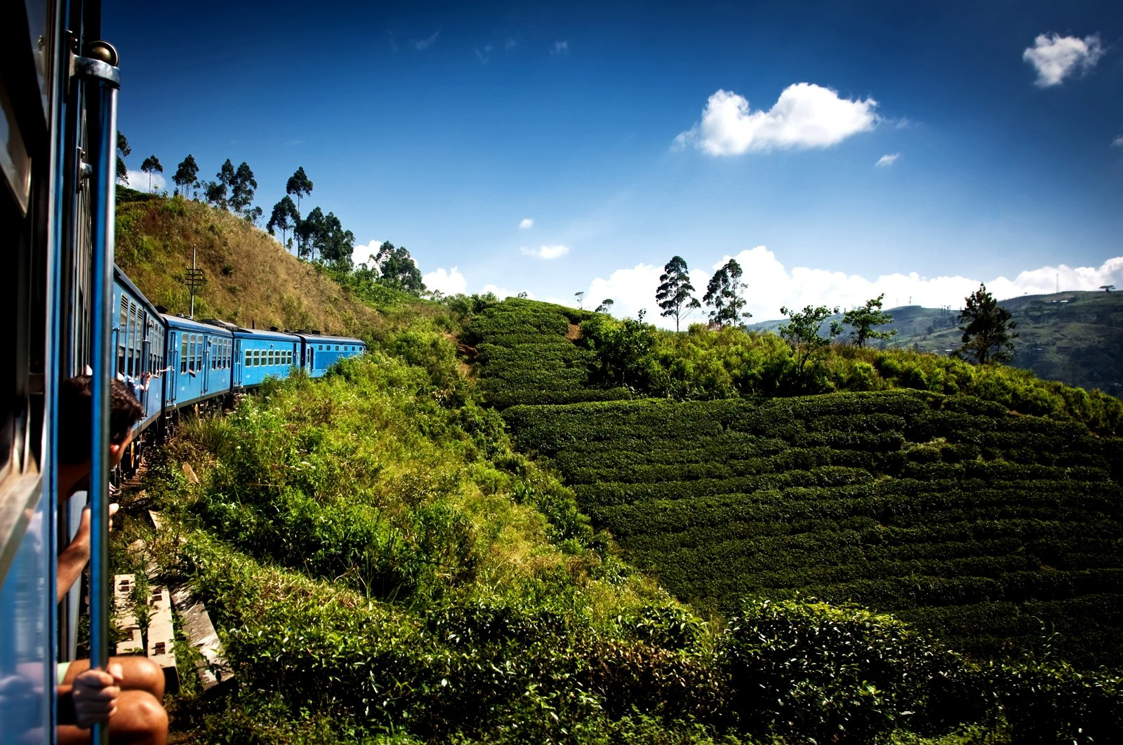 How to ride in a freight train in Nuwara Eliya