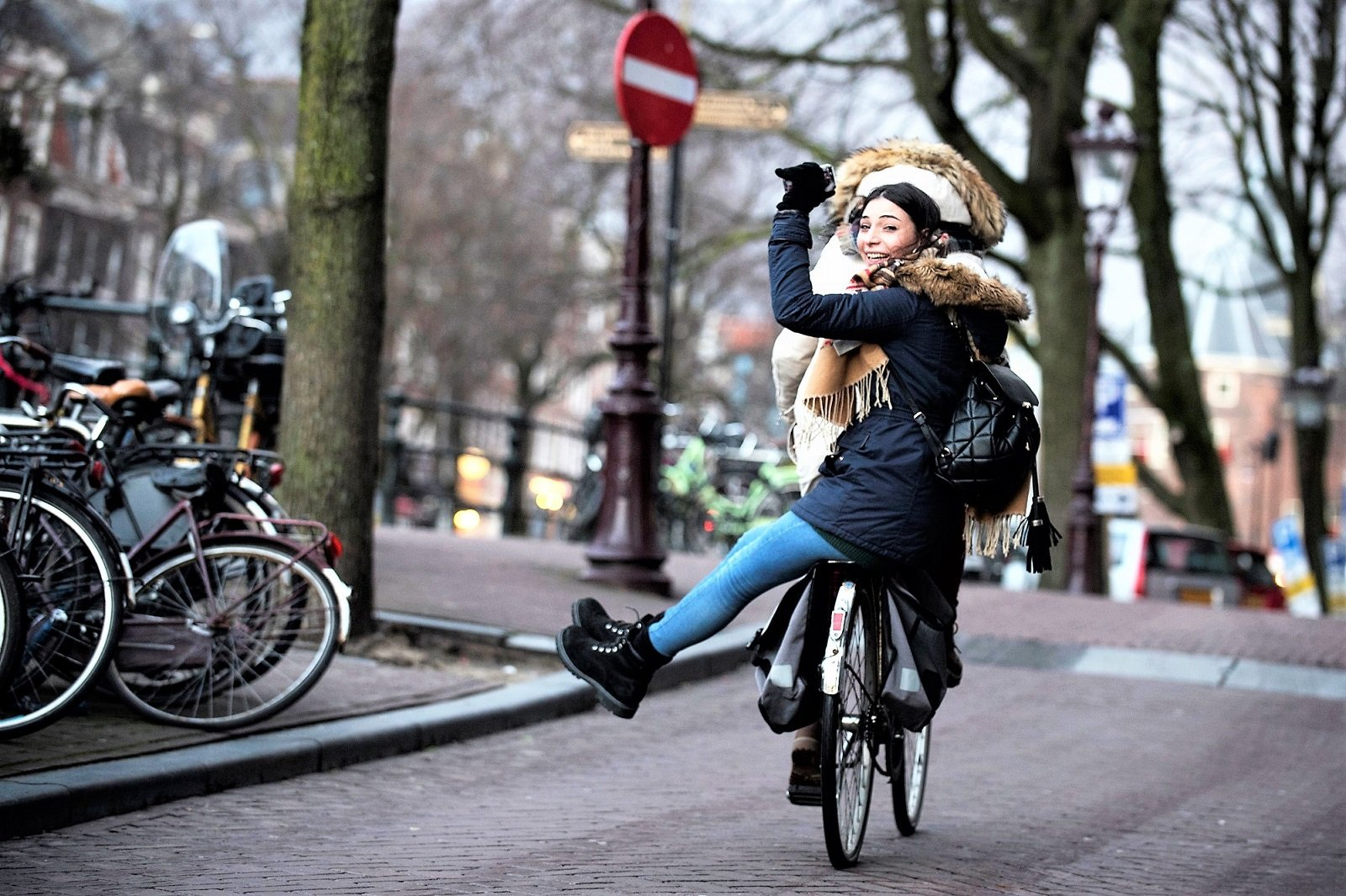 How to ride a bike around the city in Amsterdam