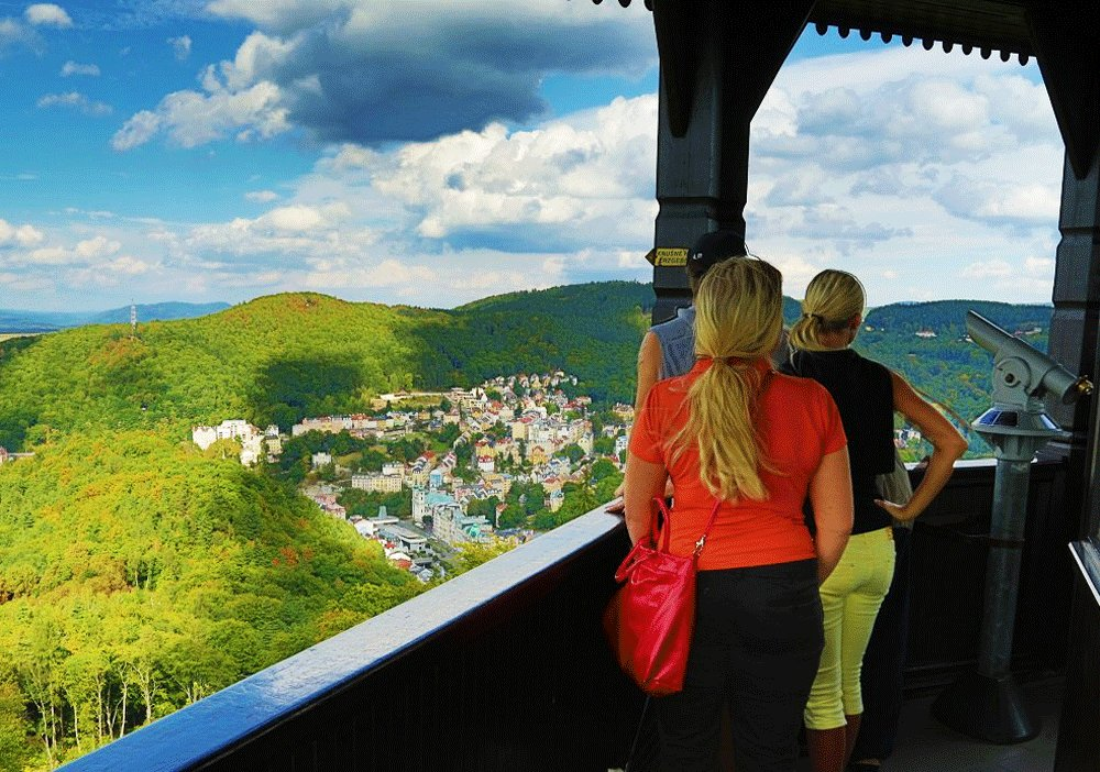How to see city panorama from Diana tower in Karlovy Vary