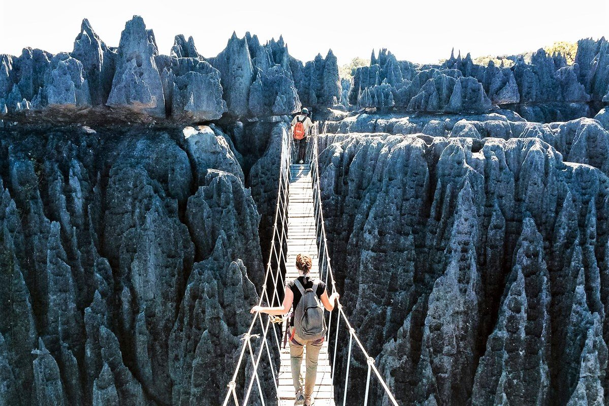 How to walk through stone forest in Kunming