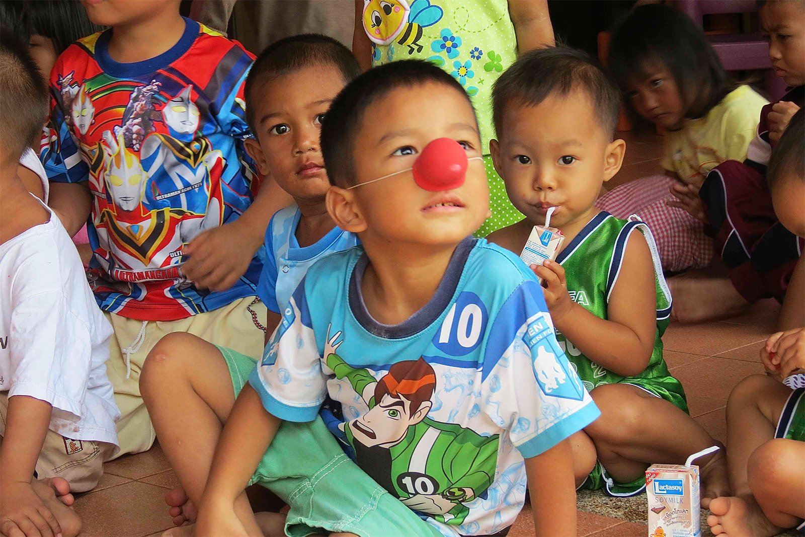 How to help orphans in Phuket