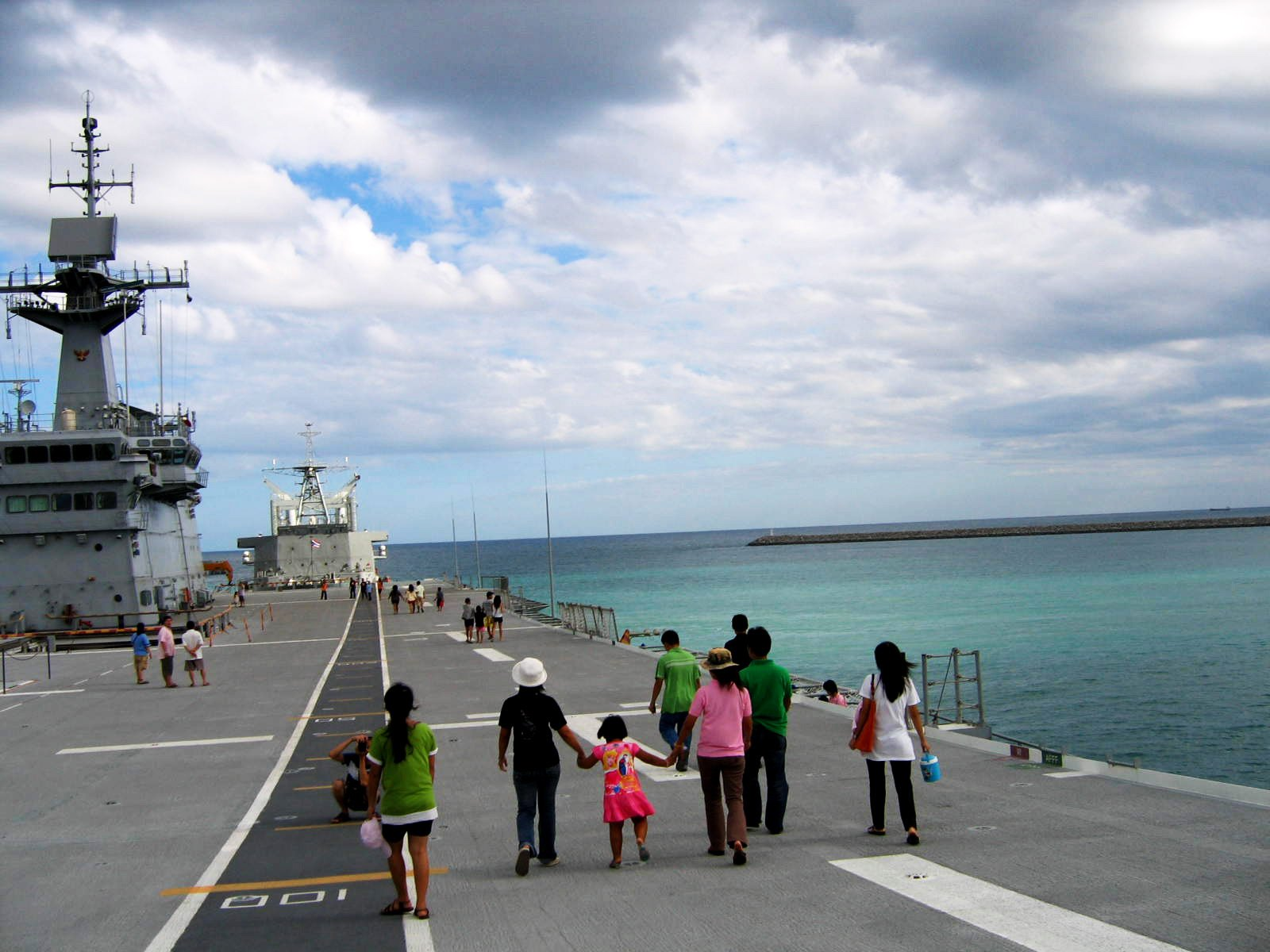 How to visit an operating aircraft carrier in Pattaya