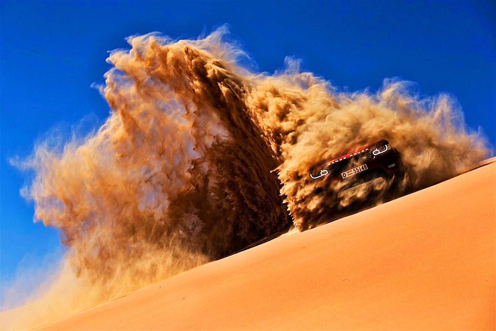 How to go to a desert jeep safari in Dubai