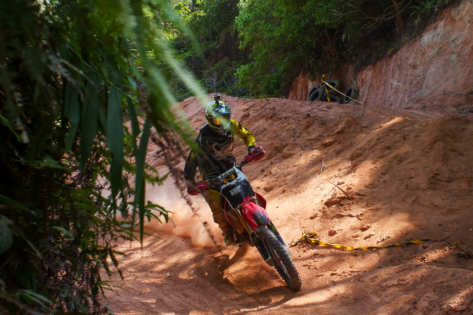 How to ride a motor-cross in the jungle in Phuket