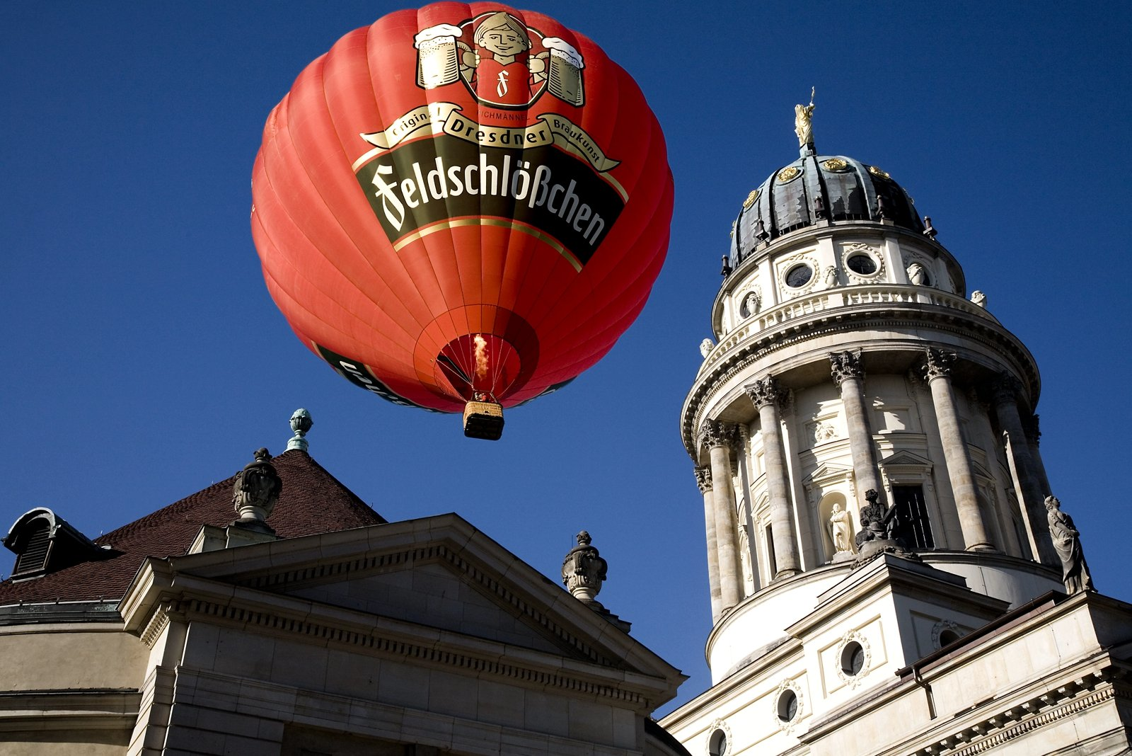 How to fly in a hot air balloon in Berlin