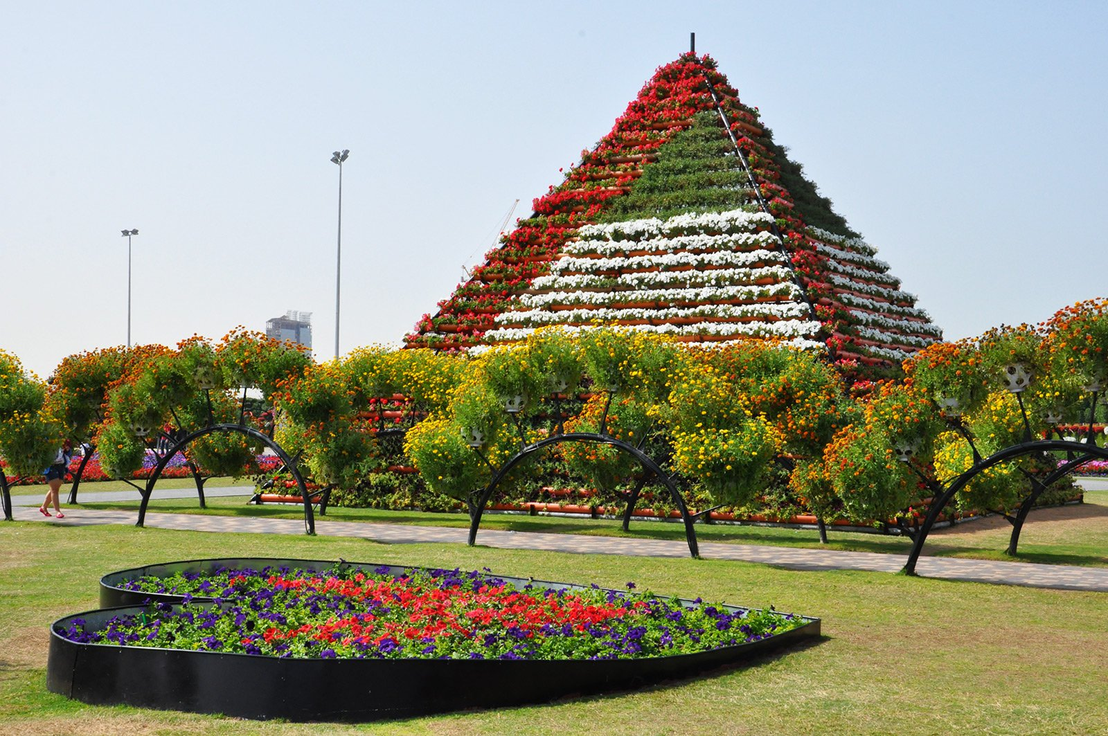 How to see a 10-meter Flower Pyramid in Dubai