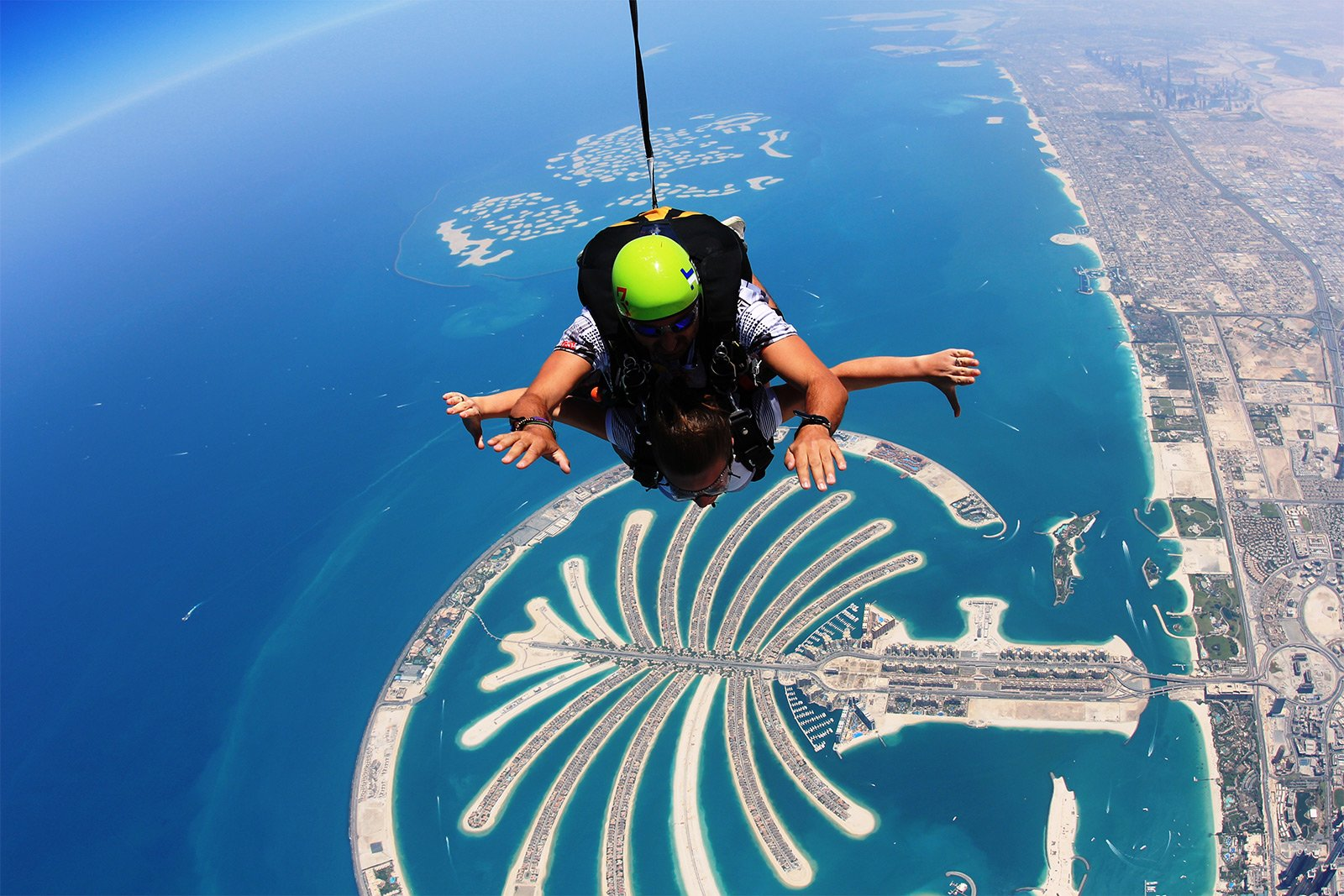 How to take a skydive in Dubai