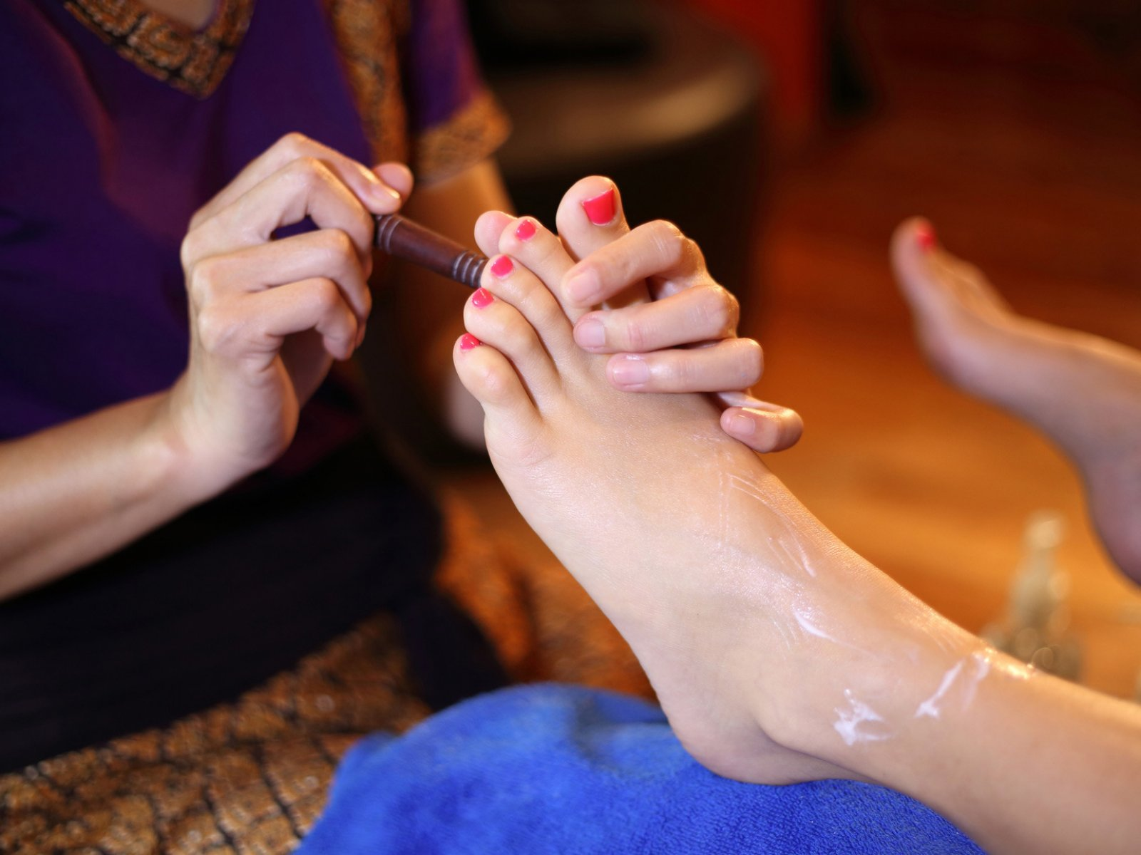 How to try Thai foot massage in Phuket