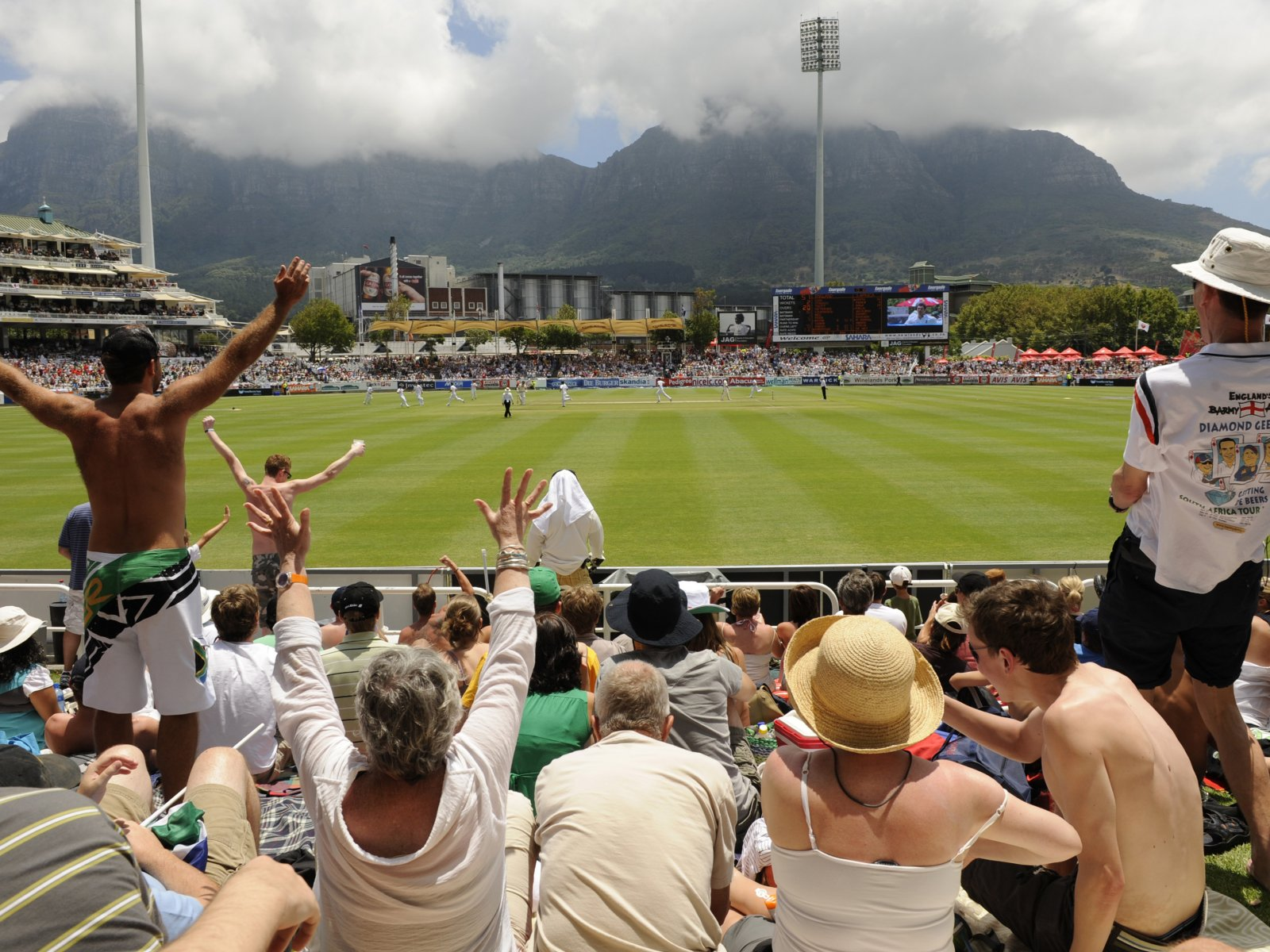 How to watch a cricket game on a beautiful cricket ground in Cape Town
