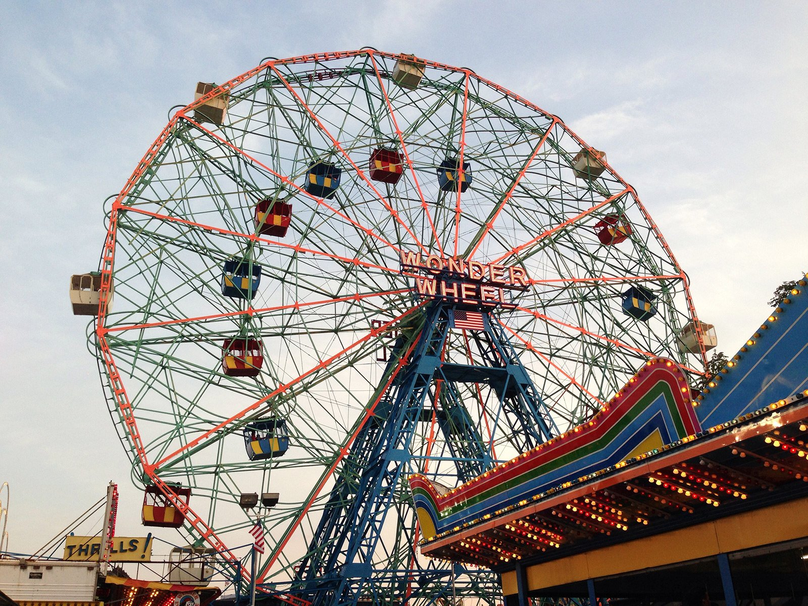 How to ride the Wonder Wheel in New York