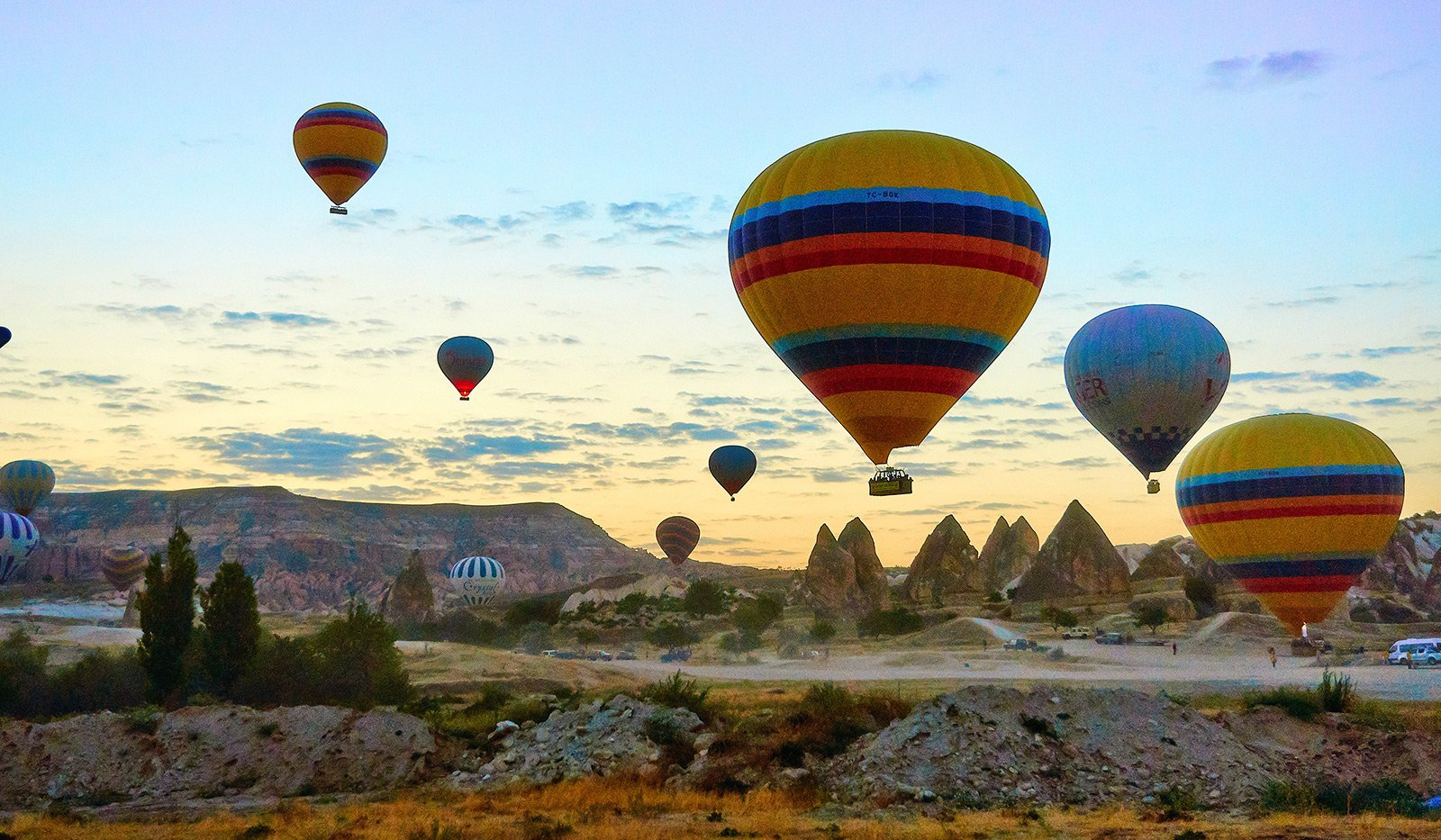 How to fly aboard a hot air balloon over Cappadocia in Cappadocia