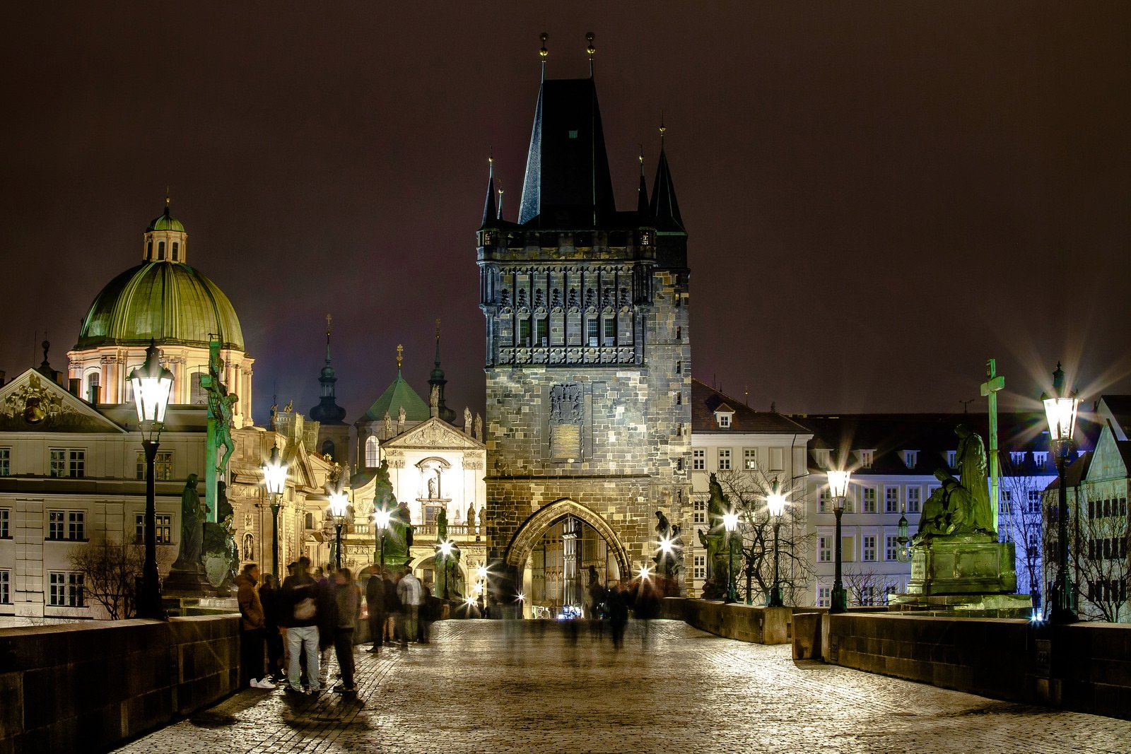 How to take a walk across the Charles Bridge in Prague