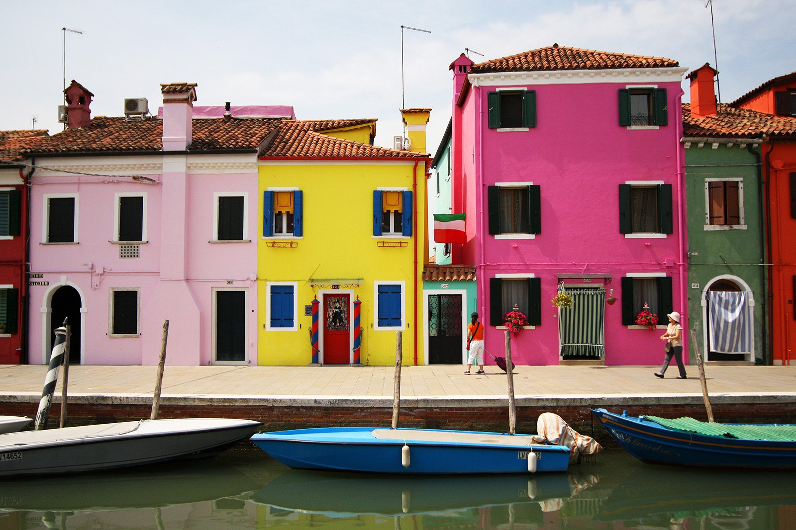 How to visit Burano island in Venice