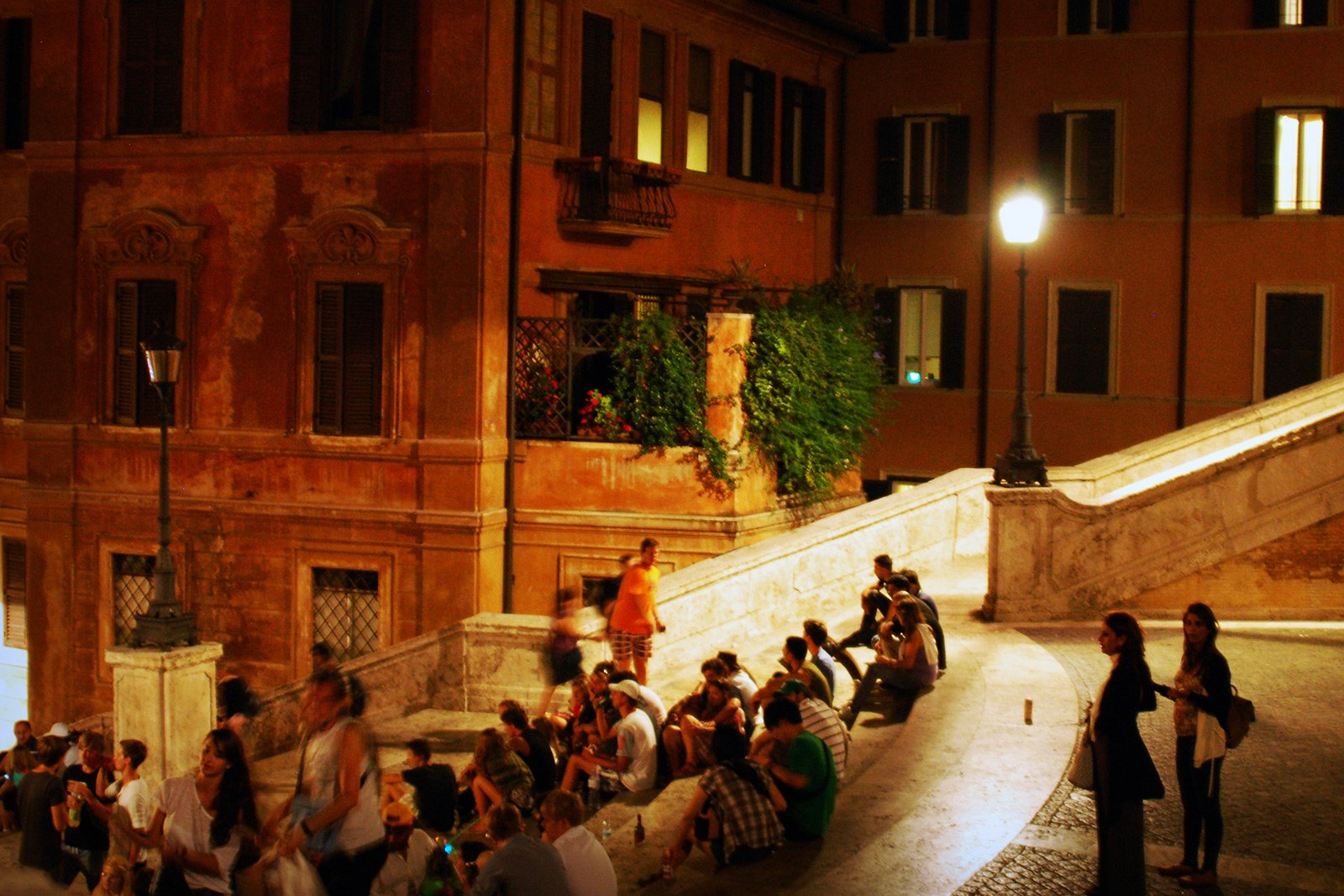 How to sit on the Spanish Steps in Rome