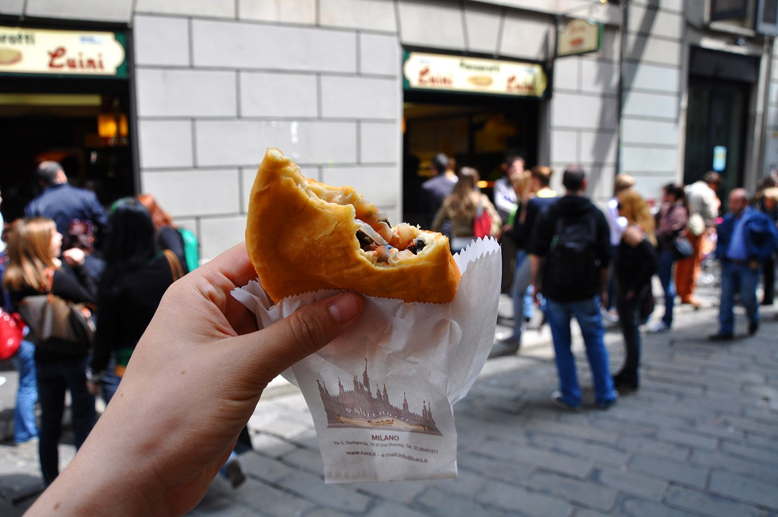 How to try panzerotti by Luini in Milan
